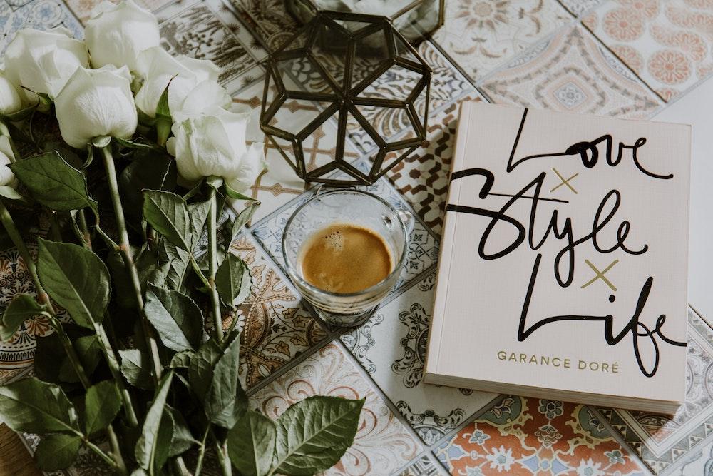 Cinco libros sobre moda, cultura y retail que recomiendan nuestros colaboradores expertos para afrontar el #yomequedoencasa
