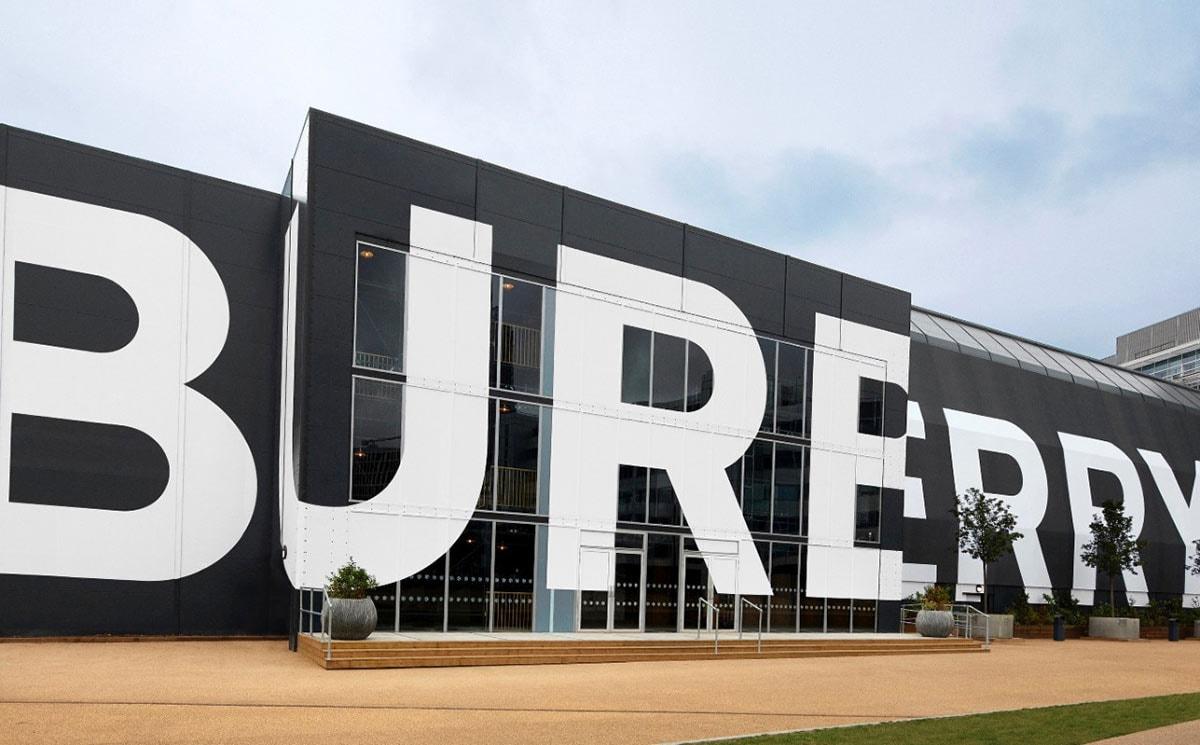"""Burberry fortalece su presencia en el mundo de los videojuegos junto a Tencent Games en el título """"Honour of Kings"""""""