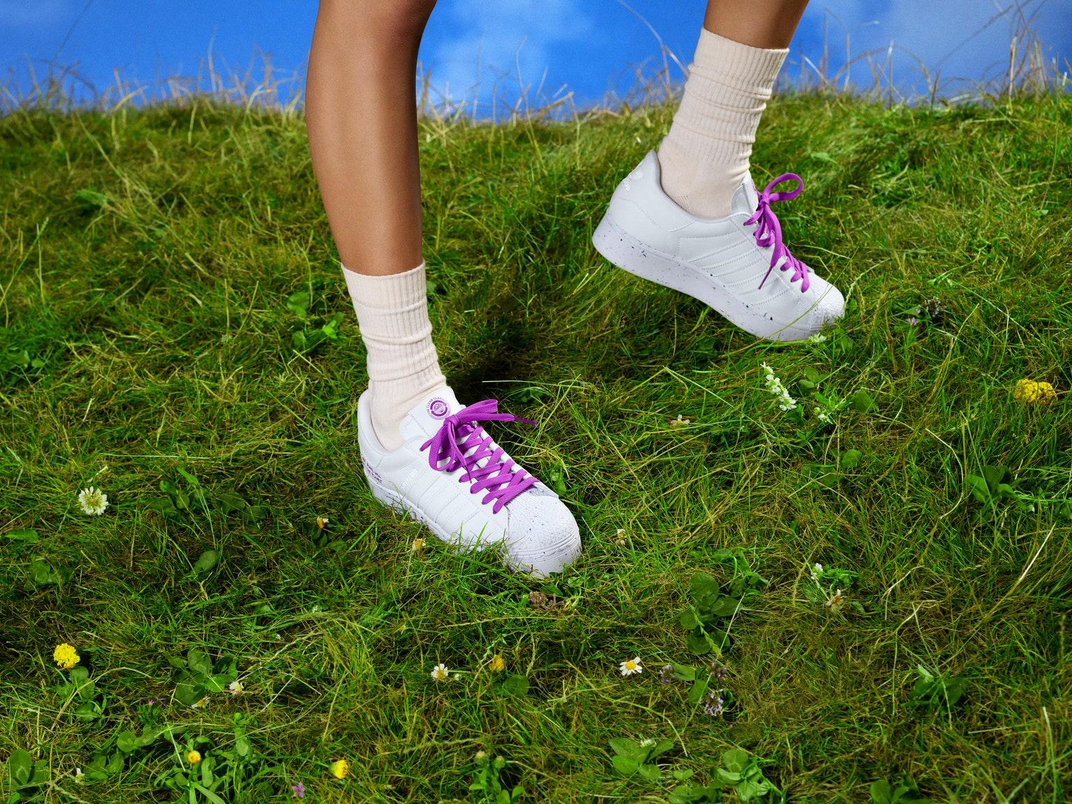 Adidas rediseña sus modelos más populares en clave sostenible en la colección 'Clean Classics'