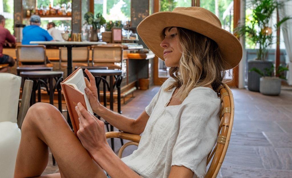 Cinco libros relacionados con el mundo de la moda para devorar este agosto